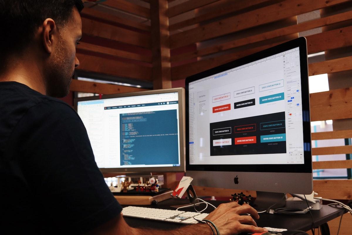 Sei un Azienda o un Professionista e vuoi farti un sito con Wix o Aruba Site Builder? Ecco a cosa vai incontro.